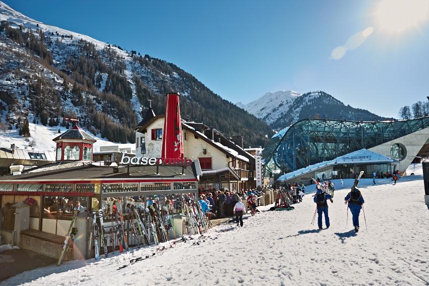 Basecamp apres ski bar St.Anton