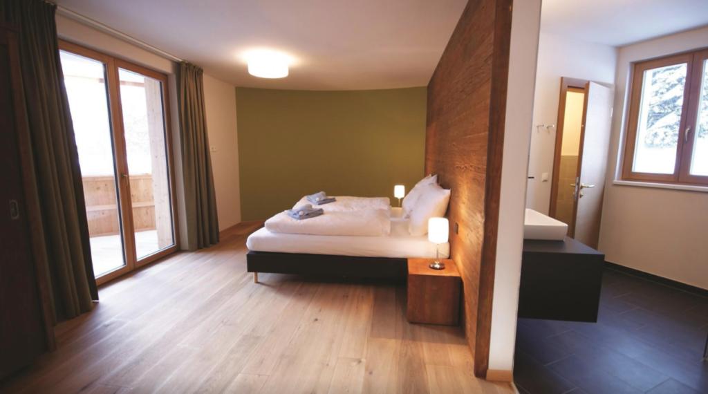 Bedroom 2 Lodge 2