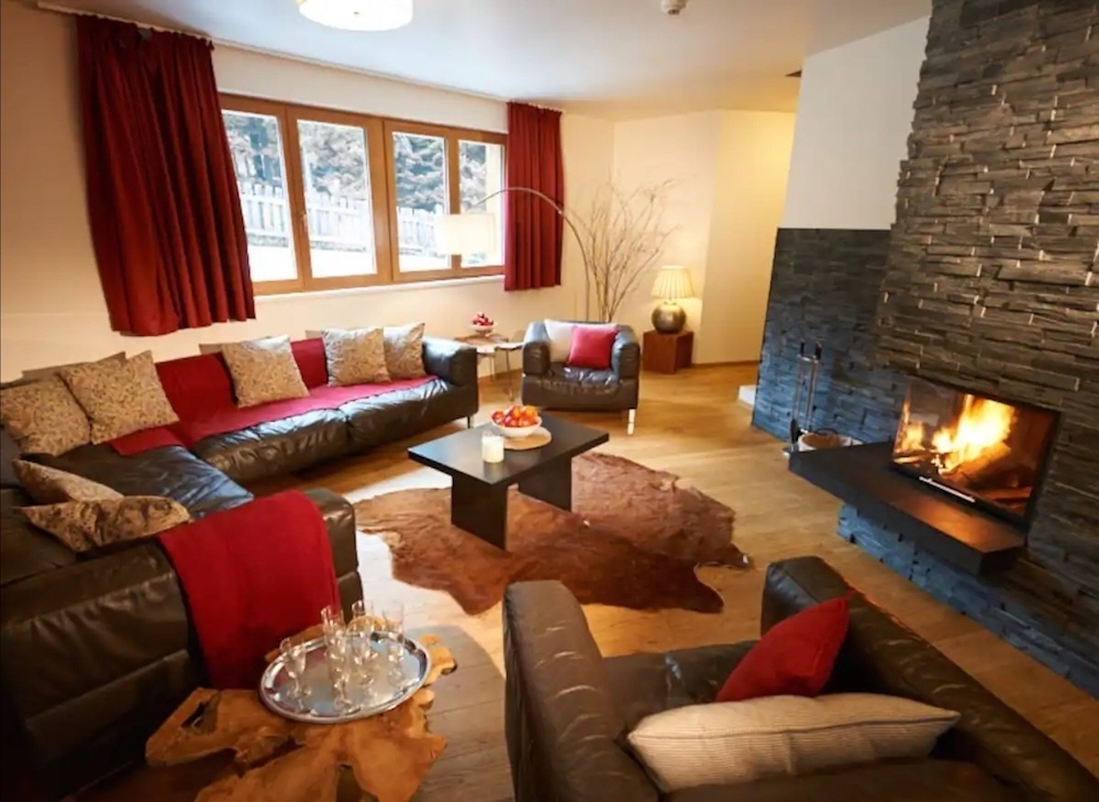 Lounge Fire Lodge 2